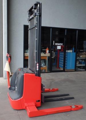 used forklift linde series 1172 l10b l12as electric pallet stacker u75624 1